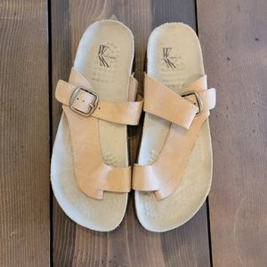 White Mountain Carly Sandals tan size 8